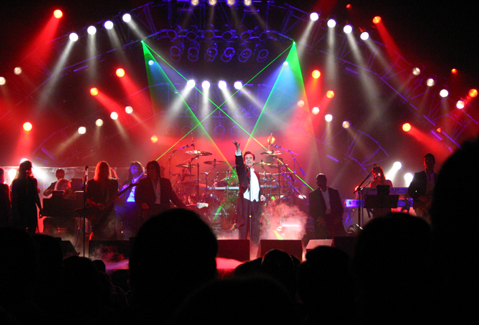 Marcus DeLoach in performance with the Trans-siberian Orchestra', 2004